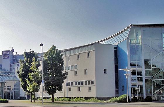 Die Hochschule für angewandte Wissenschaft und Kunst in Hildesheim (Foto lizenziert unter CC-BY-SA 3.0 über Wikimedia Commons)