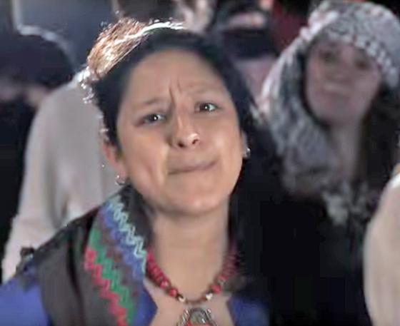Eleonora Roldán Mendívil in einem antiisraelischen Video der Rapper Thawra und Kaveh (YouTube-Screenshot)