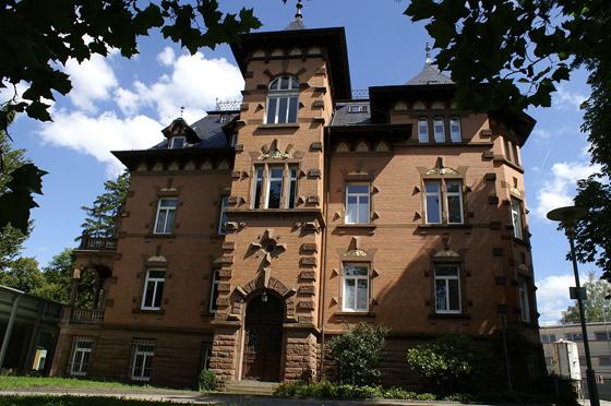 Die Evangelische Akademie in Bad Boll (© Dr. Eugen Lehle mit CC-BY-3.0-Lizenz via Wikimedia Commons)